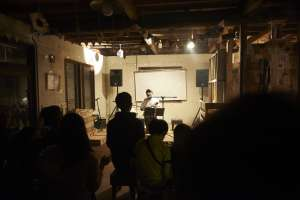 ライブ始まりました。