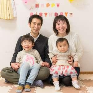 お誕生日・家族写真の出張撮影@1歳のお誕生日記念/21世紀の森と広場〜ご自宅 -