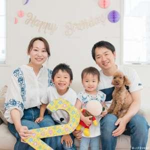 お誕生日・家族写真の出張撮影@2歳のお誕生日記念/ご自宅での家族写真 -