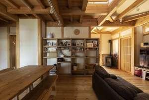 【価値ある本物を長ーく、ご使用いただきたい】築6年 天然木住宅 公開いたします。 -
