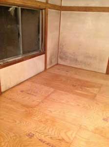 一階の床これで全ての部屋の荒床ができました。