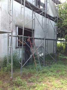 一階の窓も。こちらは古いアルミサッシと交換。